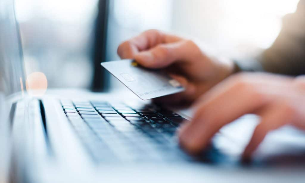 4 Tips To Help You Avoid Online Shopping Scams
