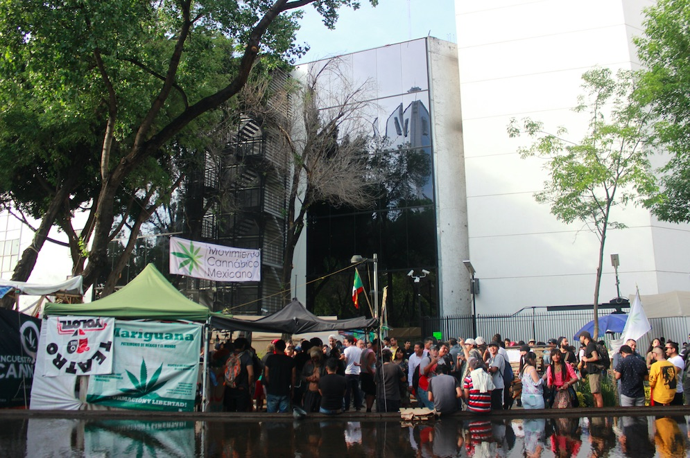 #Plantón420 Has Been Camping Outside the Mexican Senate For a Month
